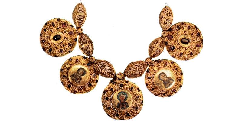 Ювелирные украшения из музеев московского кремля, четыре открытки